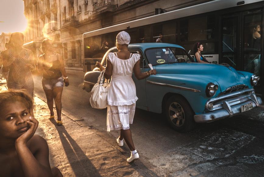 street_03_mariagrazia_beruffi_suspended_cuba